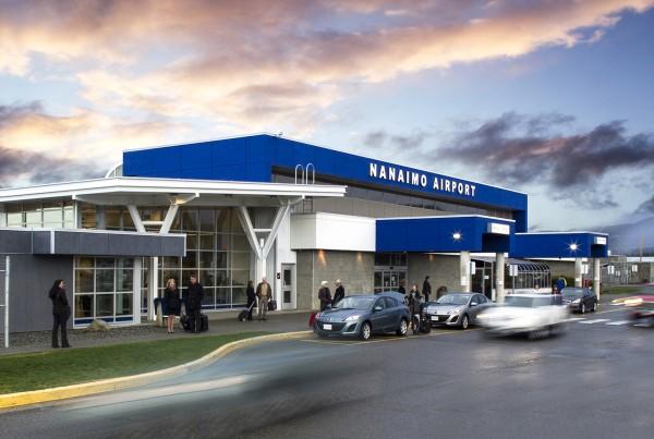 Nanaimo_Airport_terminal